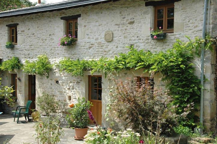Une chambre au Moulin du Plessis