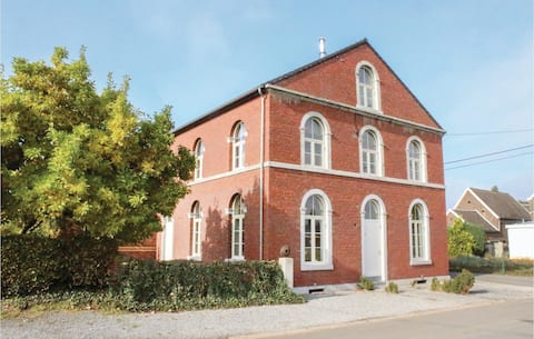 Holiday cottage with 9 bedrooms on 300m² in Richelle/Visé