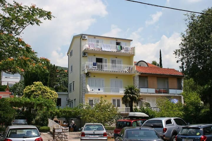 One bedroom apartment with balcony and sea view Dramalj, Crikvenica (A-9672-b) - Dramalj - Apartament