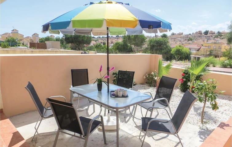 Terraced house with 3 bedrooms on 79 m² in San Miguel de Salinas