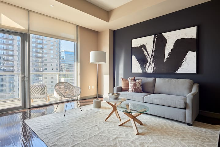 Sonder | Gables Park17 | Sun-Filled 1BR + Balcony