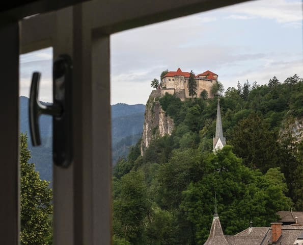 Apartment in the heart of BLED with views-120m2