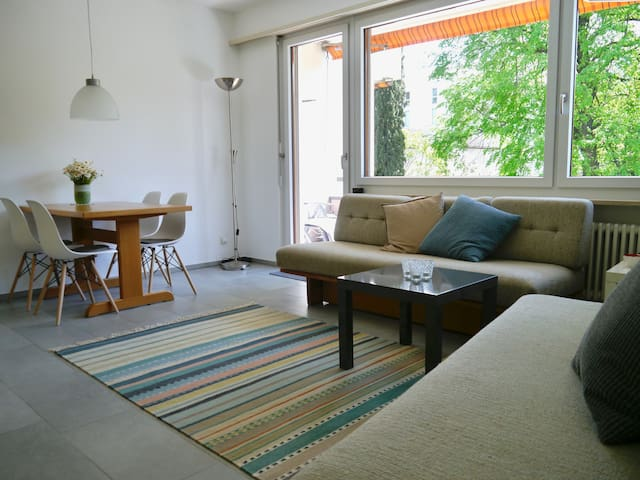hübsch + gemütlich: 2 Zi. Ferienwohnung in Losone - Losone - Lägenhet