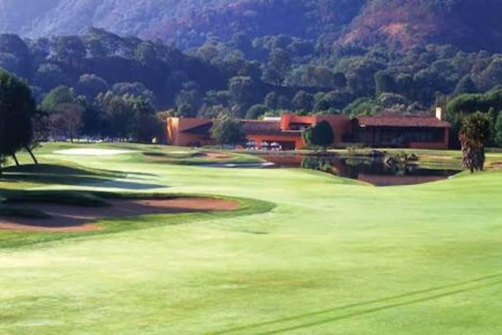 Casa club del club de Golf Malinalco