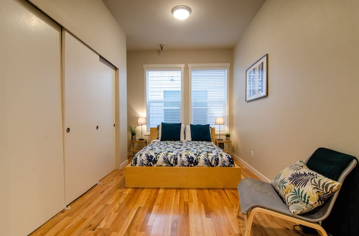 Clean and Quiet Studio in International District