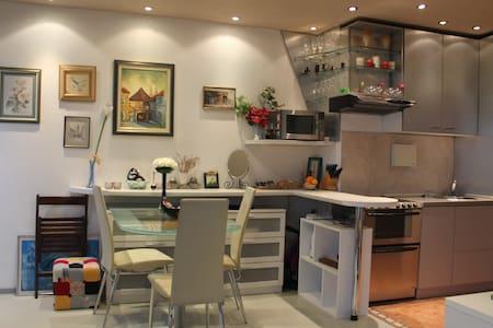SB modern studio apartment - Zagreb