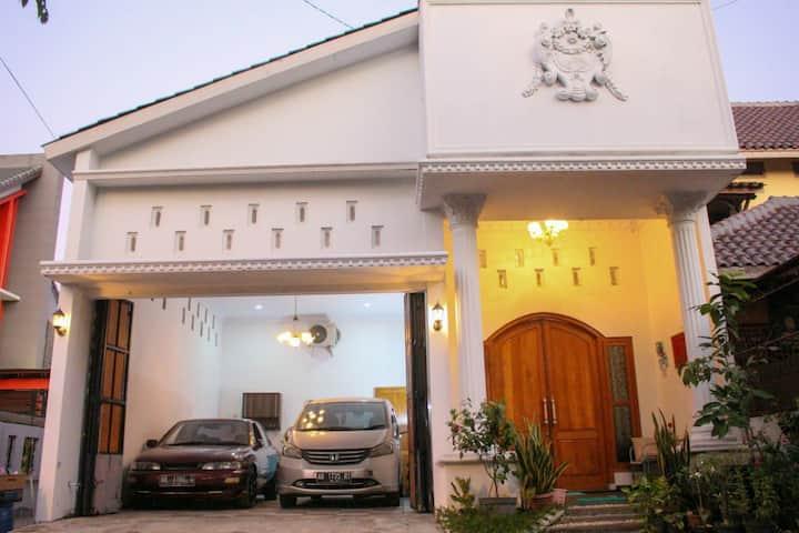 Winara House