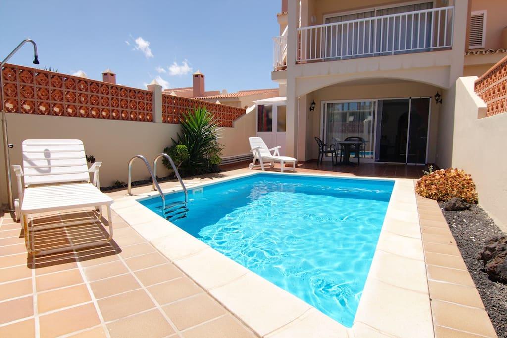 apartamento con piscina privada en corralejo