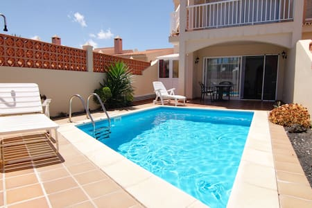 Apartment with private swimming pool in Corralejo
