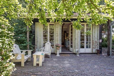 Sfeervol huisje op mooie buitenplaats in Kats