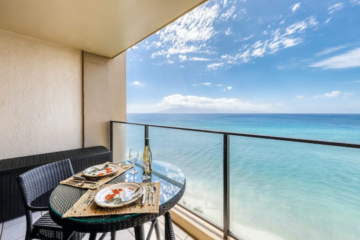 Eighth floor oceanfront studio with ocean views, shared pool, & central AC!