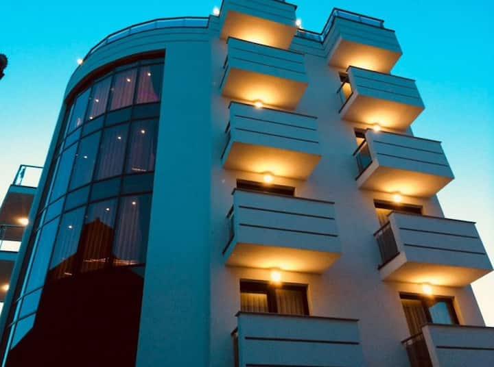 Bentely Apartment (5)