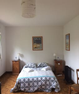 Spacious and warm room in Audembert