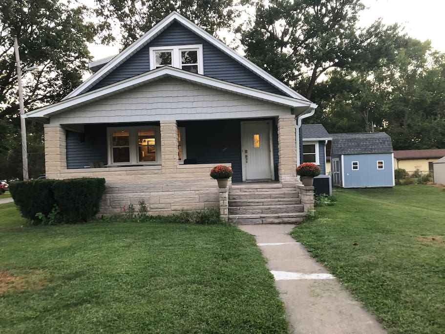 Welcome To 1 Bedroom Apartment Near Shops And I 70 Apartments For Rent In Terre Haute Indiana United States