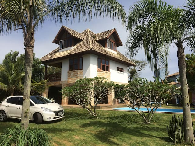 Great beach house with pool! - Florianópolis - Haus