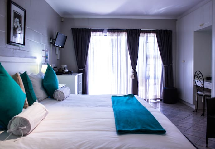 Deluxe Double/Twin Room with Garden View