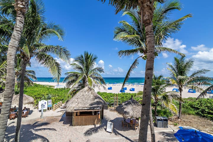 Luxury Beach Condo Perfect for Romantic Weekend Getaway 1807