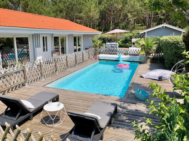 Villa ensoleillée, entre océan et forêt
