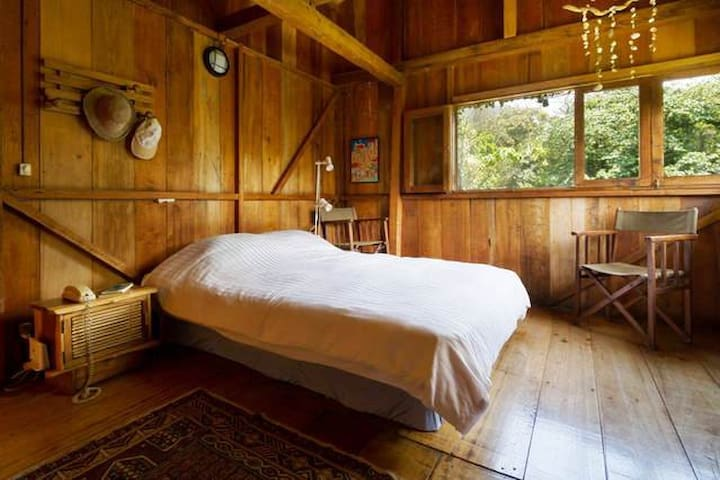 Extra Room in Wooden Cabin - Mindo - Bed & Breakfast