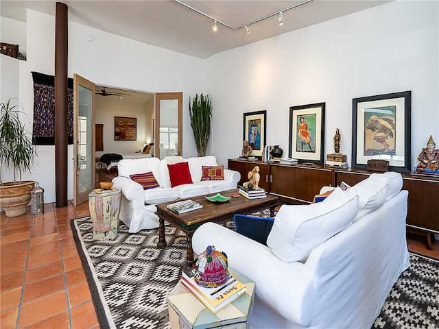Casa Malaga, 1 Bedroom, WiFi, Walk to Plaza and Railyard, Sleeps 2
