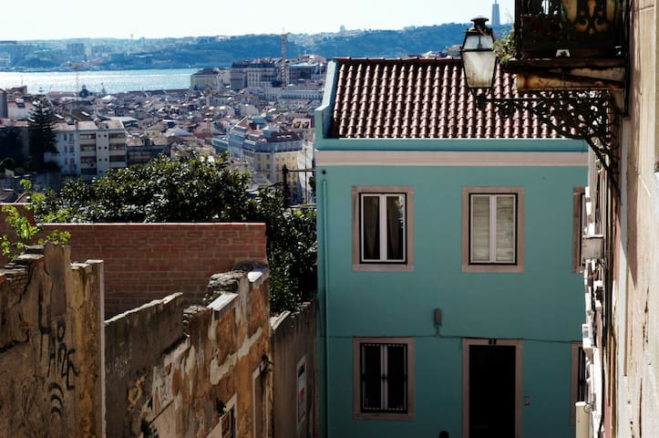 House of the Yellow Doll with great View - Lisboa - House