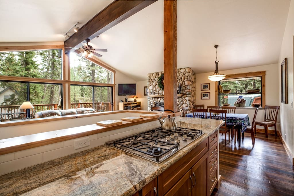 Completely Remodeled, Luxury Kitchen
