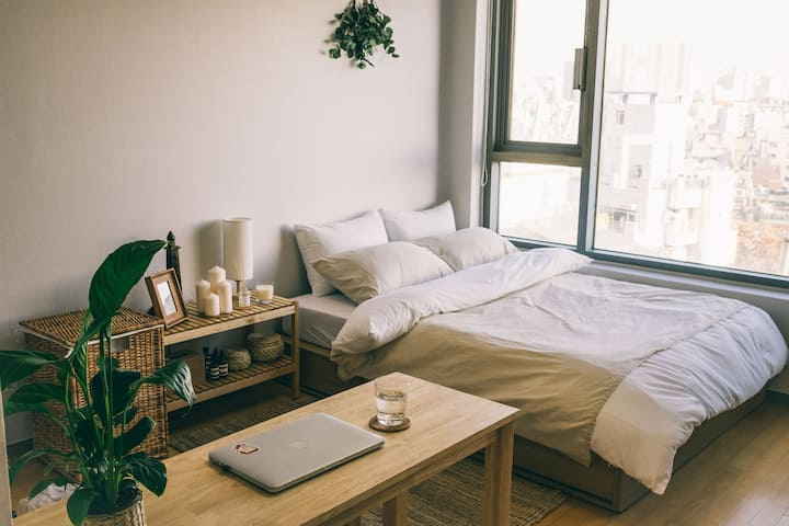 [city view] Cozy Studio/5sec Hapjeong stn @Hongdae