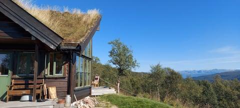 Stunning view, cabin in beautiful Hardanger