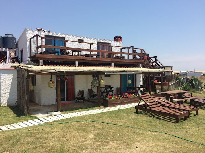 Habitaciones privadas frente al mar media pensión
