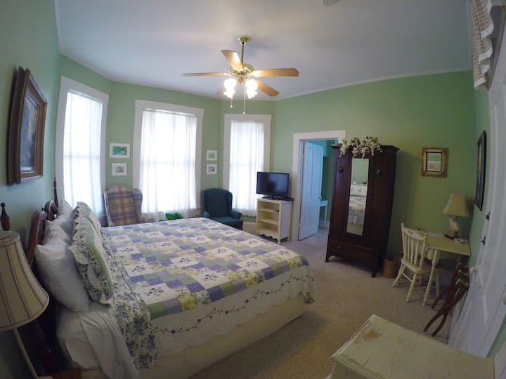 Angelina Room - Hardeman House Bed & Breakfast