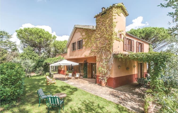 Holiday cottage with 3 bedrooms on 210m² in Castel Viscardo TR