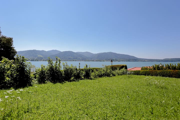 Bavarian Holiday Apartment in Tegernsee with Lake View, Balcony, Garden & Wi-Fi