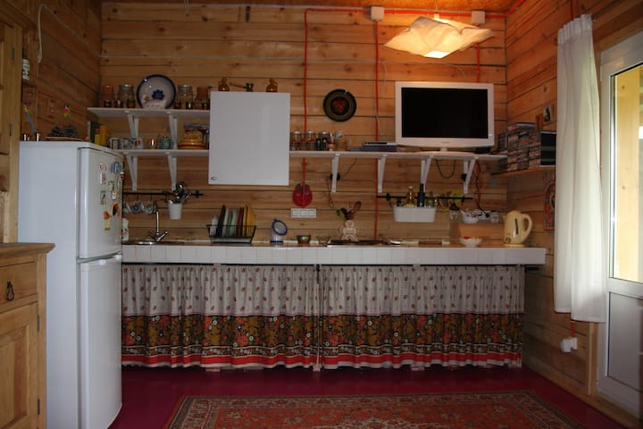 1 этаж теплого двухэтажного деревянного дома - Moscow Oblast - Flat