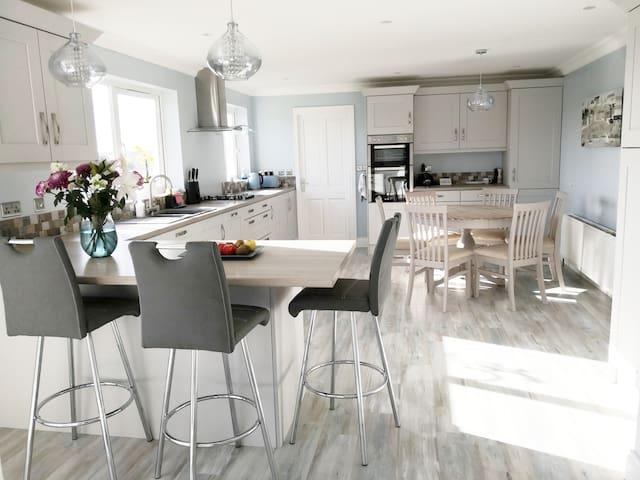Beautiful en-suite in Portstewart NITB Approved