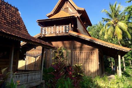 Bali Bila Bungalow - Canting Kuning Bungalow - Kubutambahan