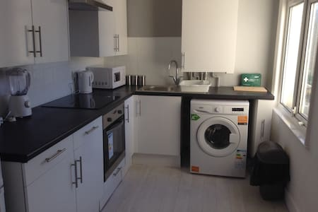 Lovely Refurbished 1st Floor Apt in Westcliff - Southend-on-Sea
