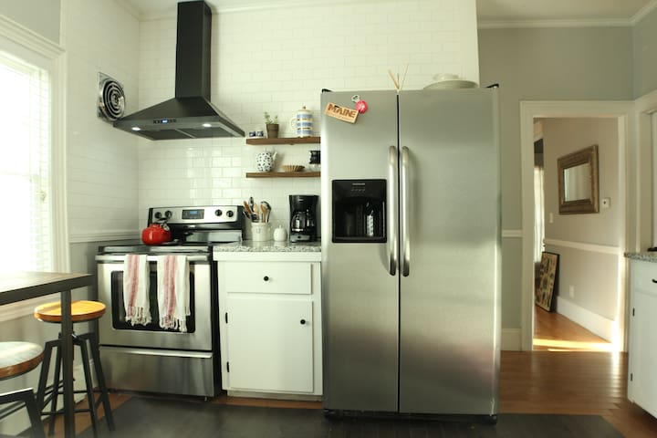Guest suite in spacious house on Pool St