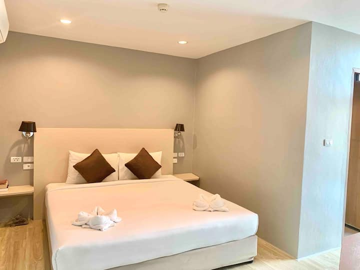Private room HEART OF CHAWENG BEACH ROAD!!