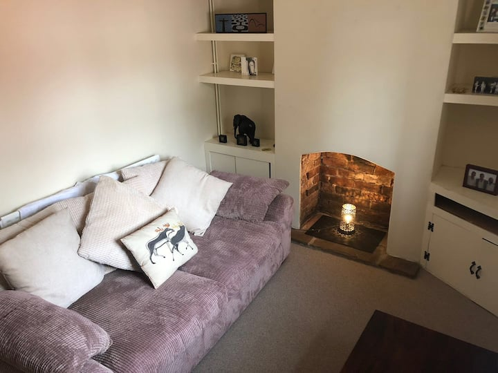 Cosy 2 bedroom house in Cardiff, close to stadium
