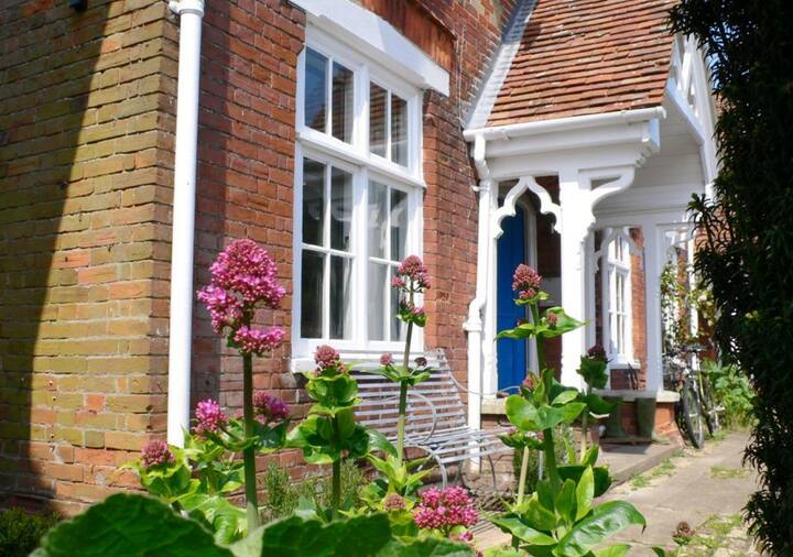 Daphne Cottage