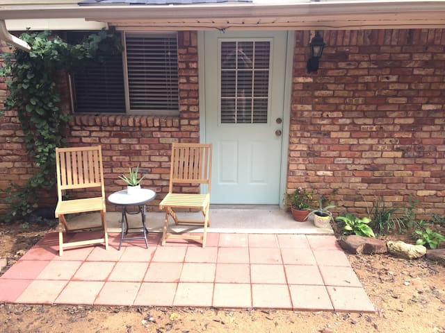 Perfect home away from home! - Denton - Byt