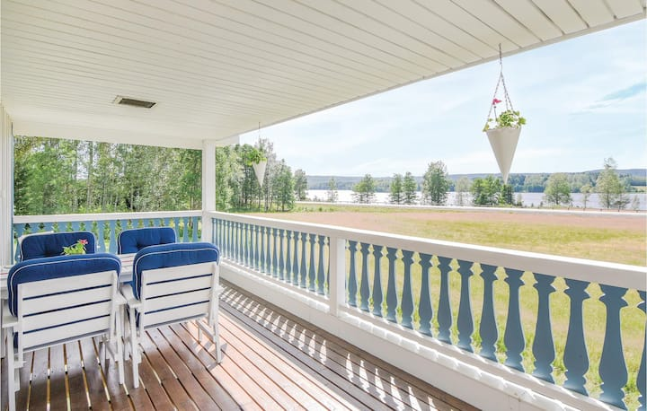 Awesome home in Svanskog with 2 Bedrooms