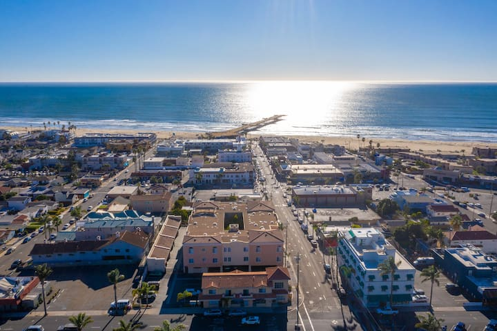 Charming condo just 2 1/2 blocks to Pismo Pier!!