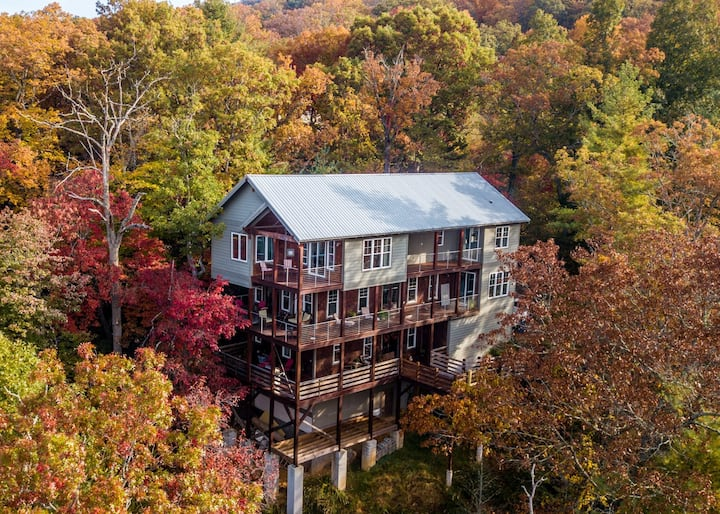 The High Life: Come experience Black Mountain & Asheville at it's best! Stunning