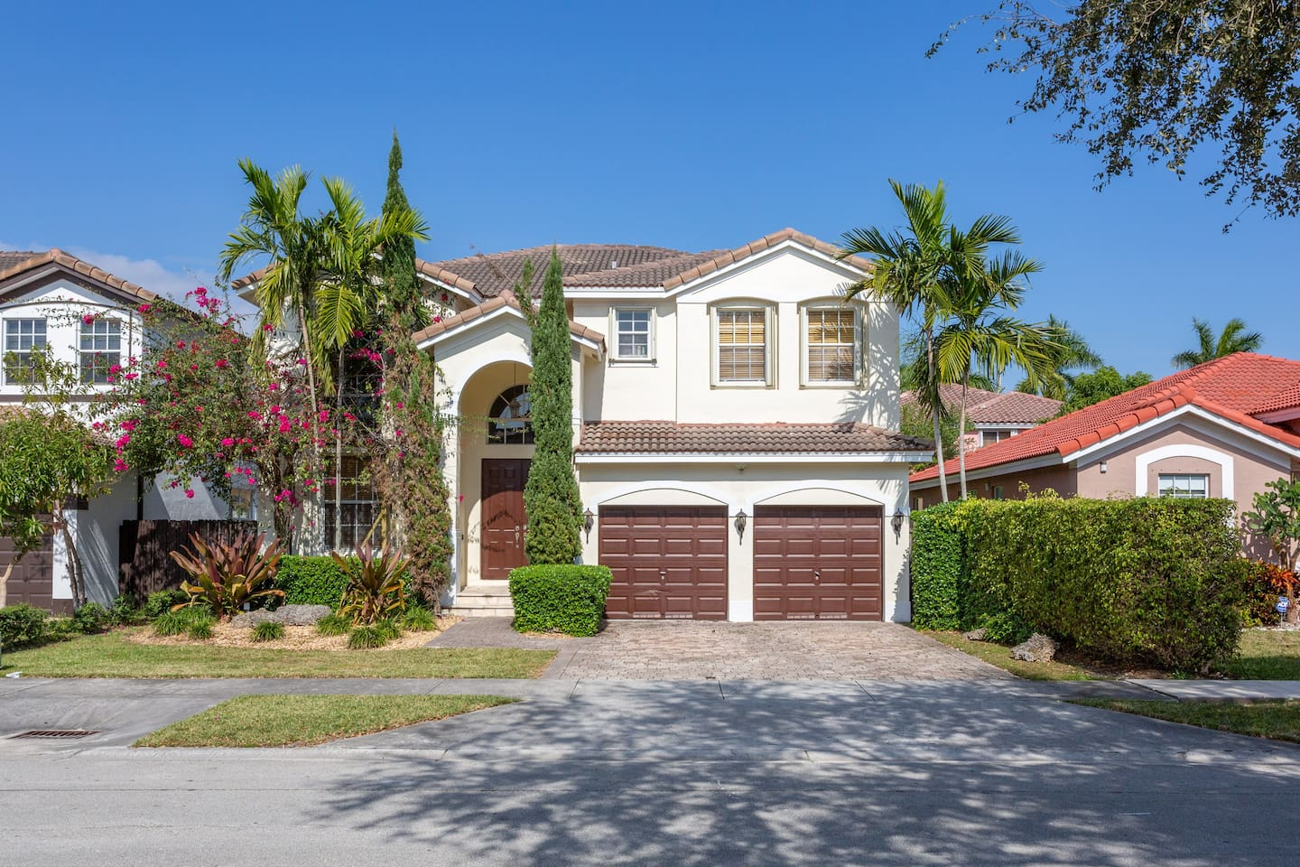 Look no more! Let this be the house where you spend your next vacation in Miami! Fully equipped with plenty of amenities; our spacious and centrally located vacation property will leave you amazed from the moment you walk in.