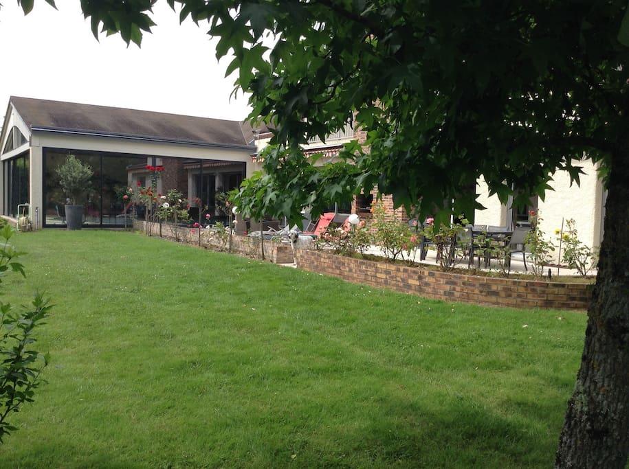 Maison avec piscine int rieure proche de tours maisons louer monts centre val de loire - Margelle piscine contemporaine tours ...
