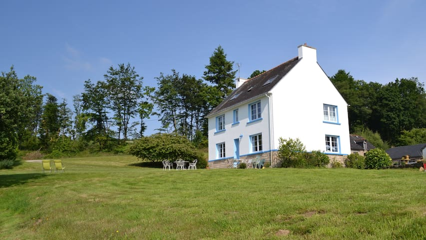 Nice and quiet double room - Ploërdut - Bed & Breakfast