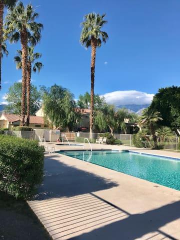 Quiet Amp Relaxing Condo In The Desert Condominiums For