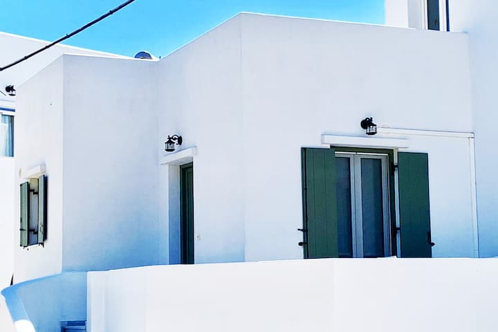 Tinos Cozy Luxury Home