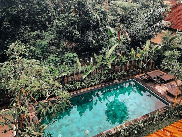 Deluxe room w/ Balcony - Shakara Guest House Ubud
